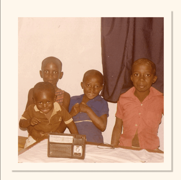 D'amour and his siblings enjoying their favorite radio show